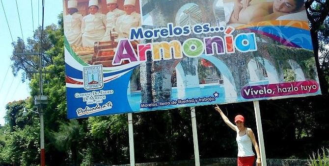 Doce horas al costado de la carretera en Tepoztlán, Morelos, México
