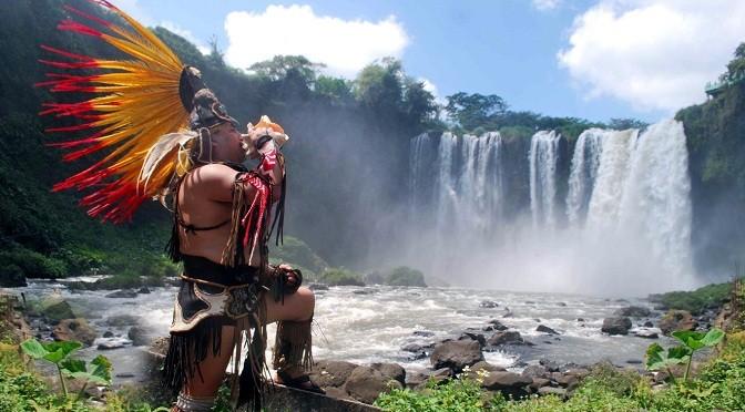 """Salto de Eyipantla: bendición de Tlaloc y escenario de """"Apocalypto"""""""