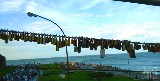 Los candados del amor también en un puente de Mar del Plata