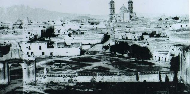 arco de analco y catedral puebla