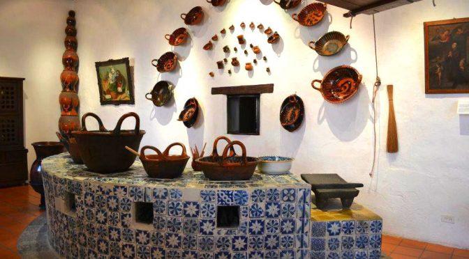 """La cocina poblana donde se crearon los """"chiles en nogada"""""""