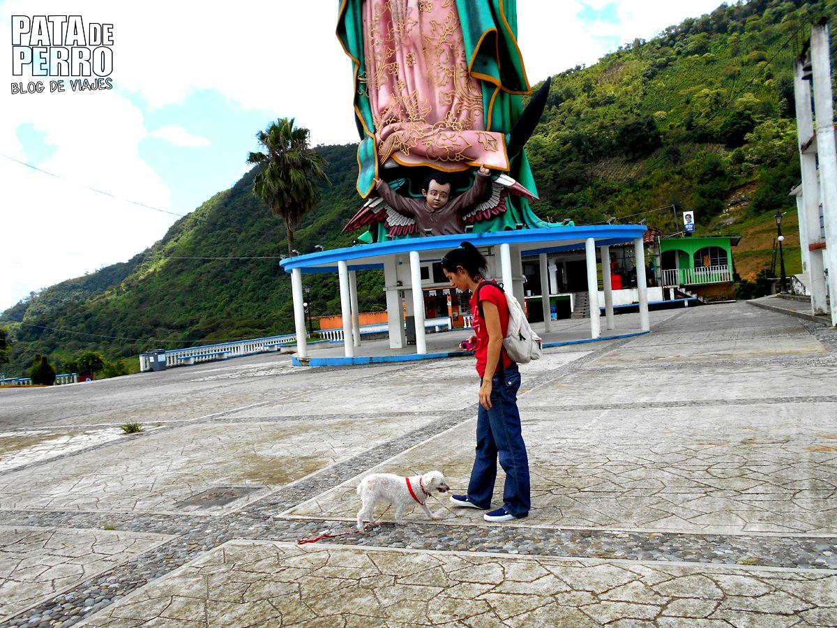 xicotepec puebla con isi virgen gigante mexico pata de perro blog de viajes08
