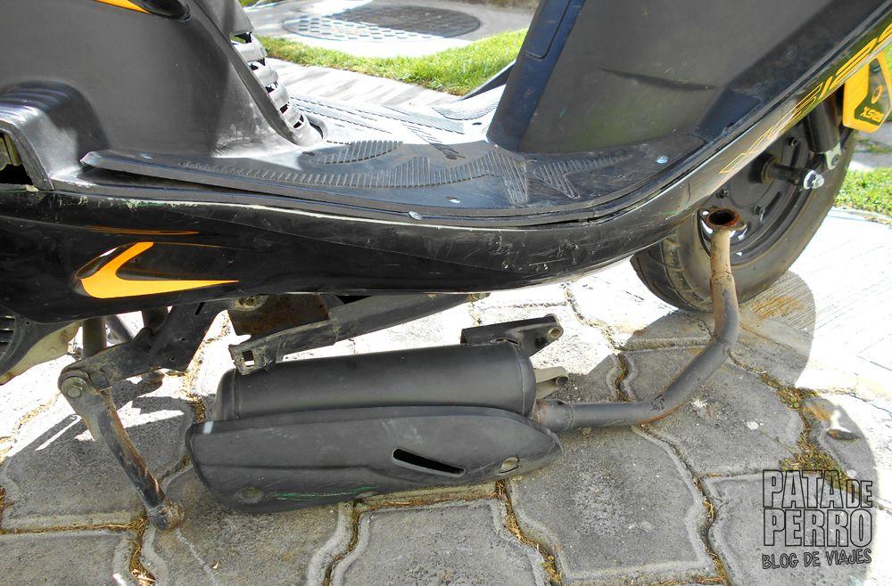 quitar-llanta-trasera-a-scooter-italika-xs125-pata-de-perro-blog-de-viajes-mexico05