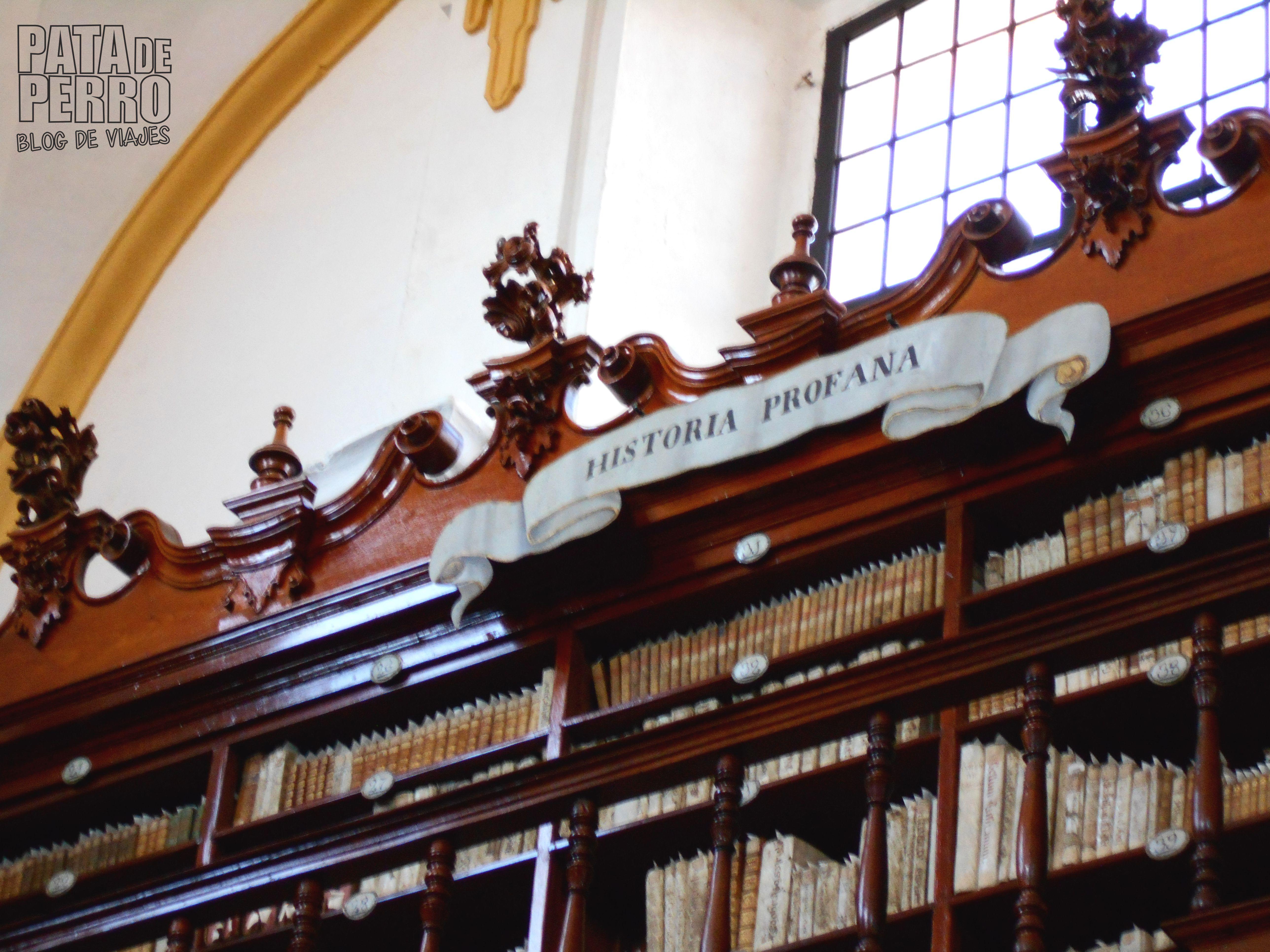 biblioteca-palafoxiana-la-primera-biblioteca-publica-de-america-pata-de-perro-blog-de-viajes-puebla-mexico-04
