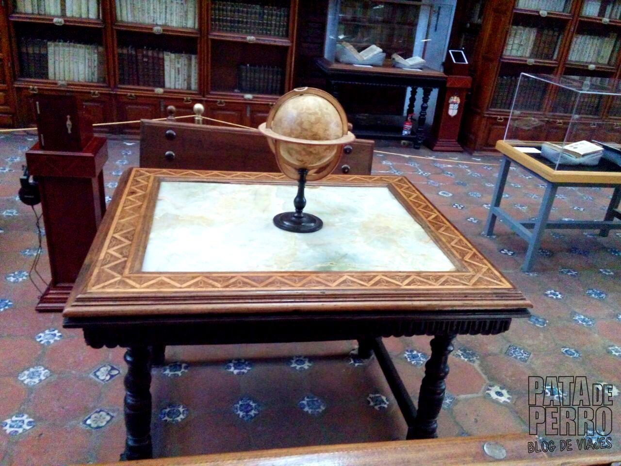 biblioteca-palafoxiana-la-primera-biblioteca-publica-de-america-pata-de-perro-blog-de-viajes-puebla-mexico-10