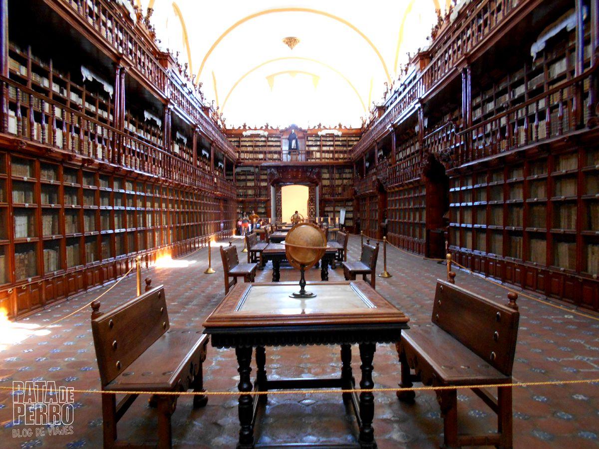 biblioteca-palafoxiana-la-primera-biblioteca-publica-de-america-pata-de-perro-blog-de-viajes-puebla-mexico-17